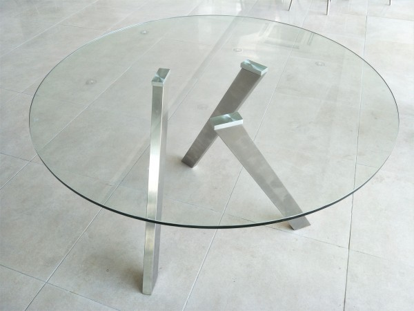 ROUND GLASS DINING TABLE - FRM5123