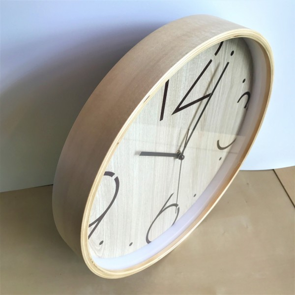 ROUND WOOD WALL CLOCK - DCC10963