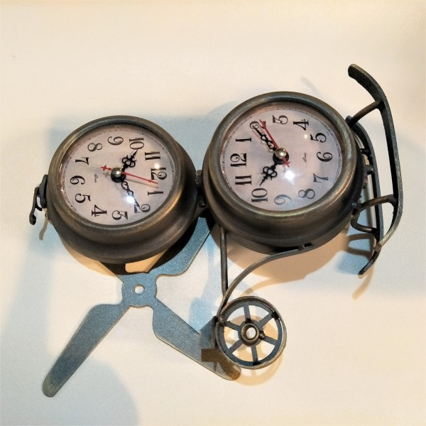 HELICOPTER TABLE CLOCK - DCC20084