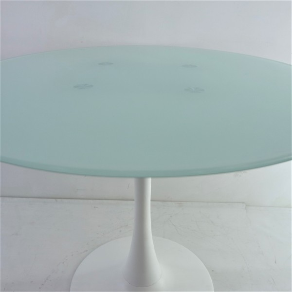 ROUND GLASS DINING TABLE - FRM51474