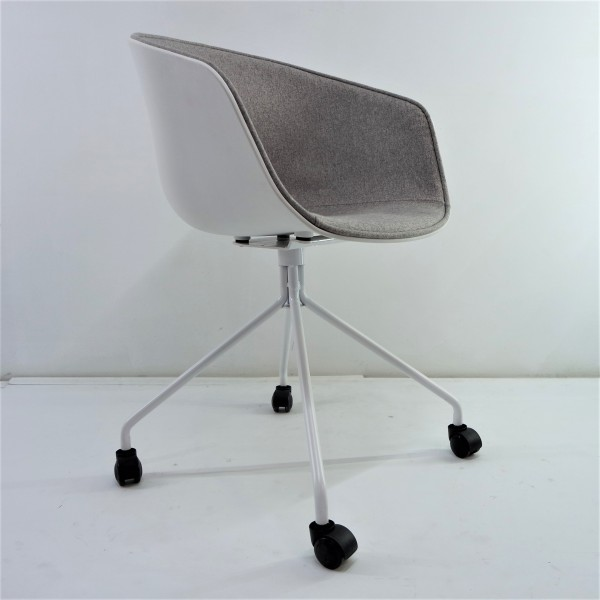 ABOUT A CHAIR  FRM9029-FG2