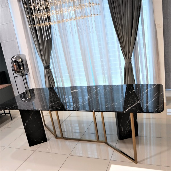 ROOD MARBLE DINING TABLE - FRM51561