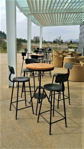 METAL BAR STOOL - FRM10395