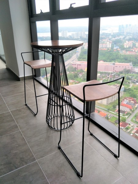 METAL BAR STOOL - FRM10896