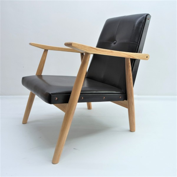 LOUNGE CHAIR - FRM71511