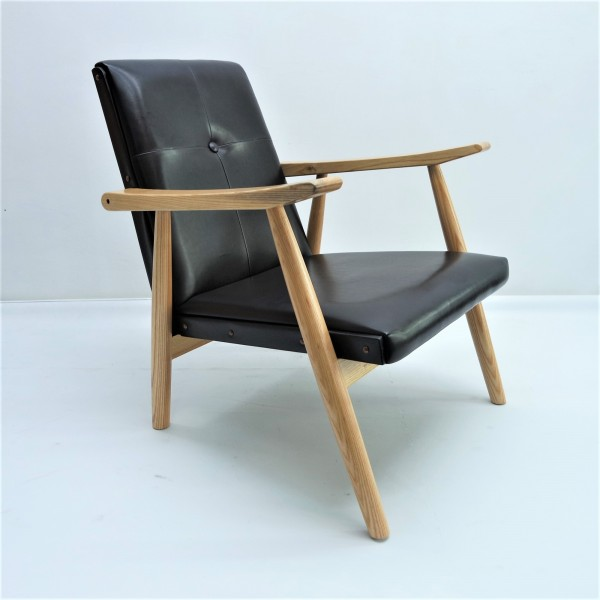 LOUNGE CHAIR - FRM71513
